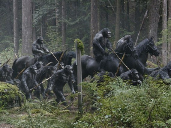 Dawn-of-the-Planet-of-the-Apes-Ape-war-party-