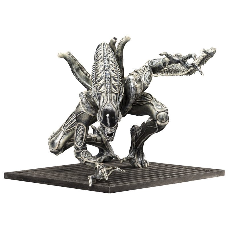 Alien Warrior ArtFx Staty