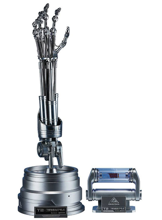 T-800 Endoskeleton Arm & Brain Chip Set – The Real Replica 1/1