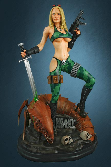 Heavy Metal: Alien Marine Girl Staty