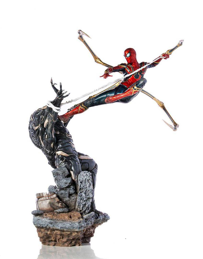 Iron Spider vs Outrider Avengers: Endgame BDS Art Scale 1/10 Staty
